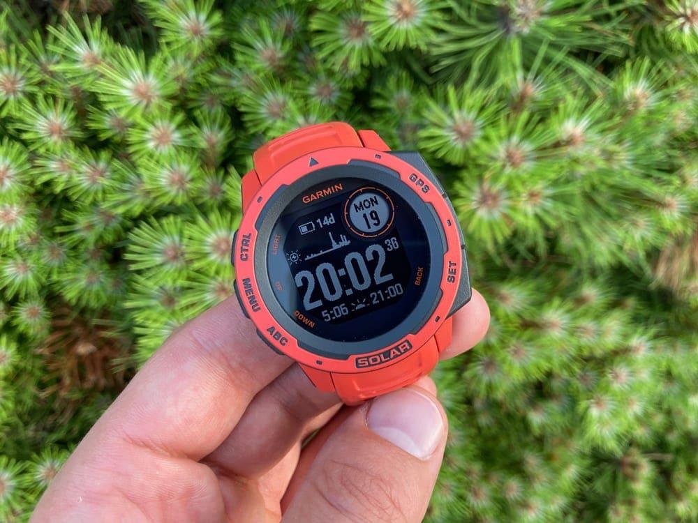 Спортивные часы Garmin Instinct Solar