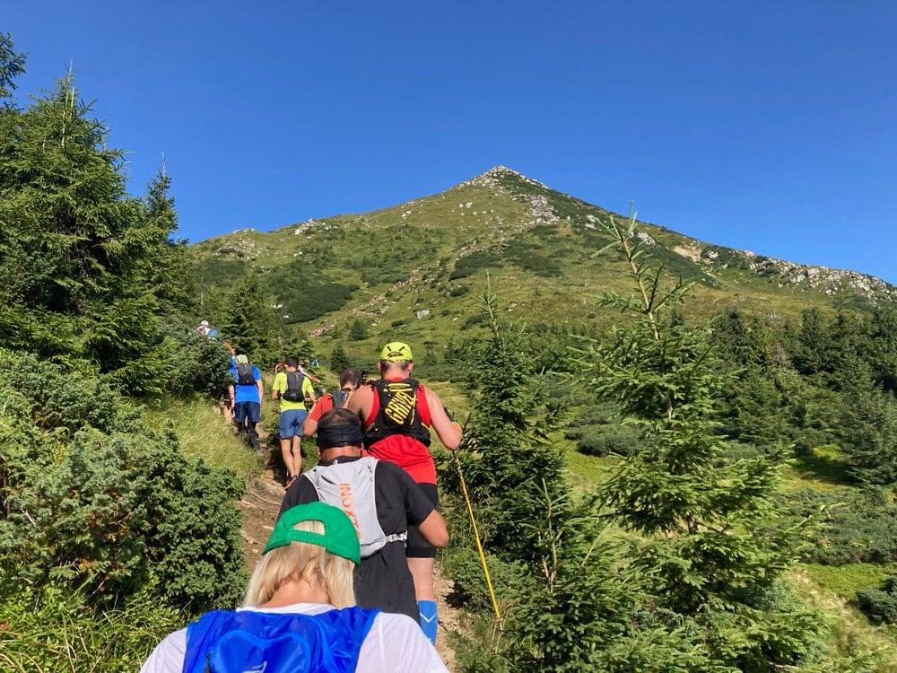 Підйом на гору Петрос