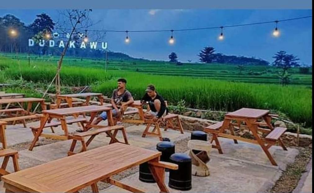 Baru, Kafe Dudakawu Dengan view Persawahan