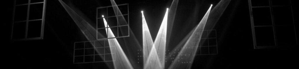 Světelné desatero Pavla Hurycha - vysvícení hracího prostoru