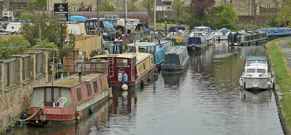 narrowboat holidays boats crammed onto European canal