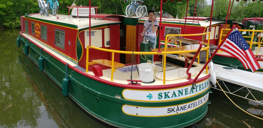 41-foot Packet boat rented from Mid-Lakes Navigation