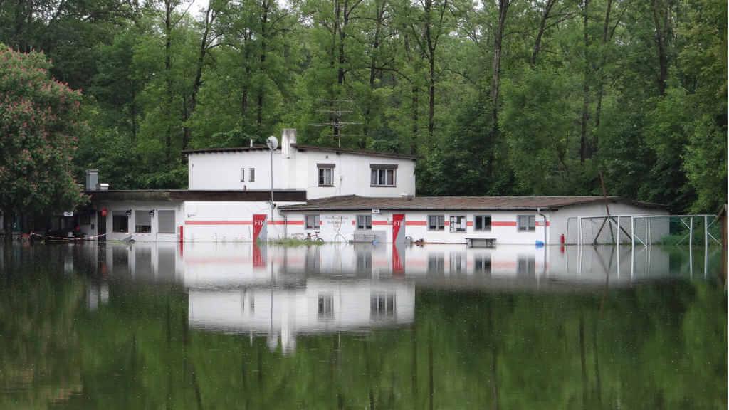 Überflutung Wasserschaden München - Klima Center – Bautrockner Verleih für die Landkreise München, Ebersberg, Rosenheim & Traunstein