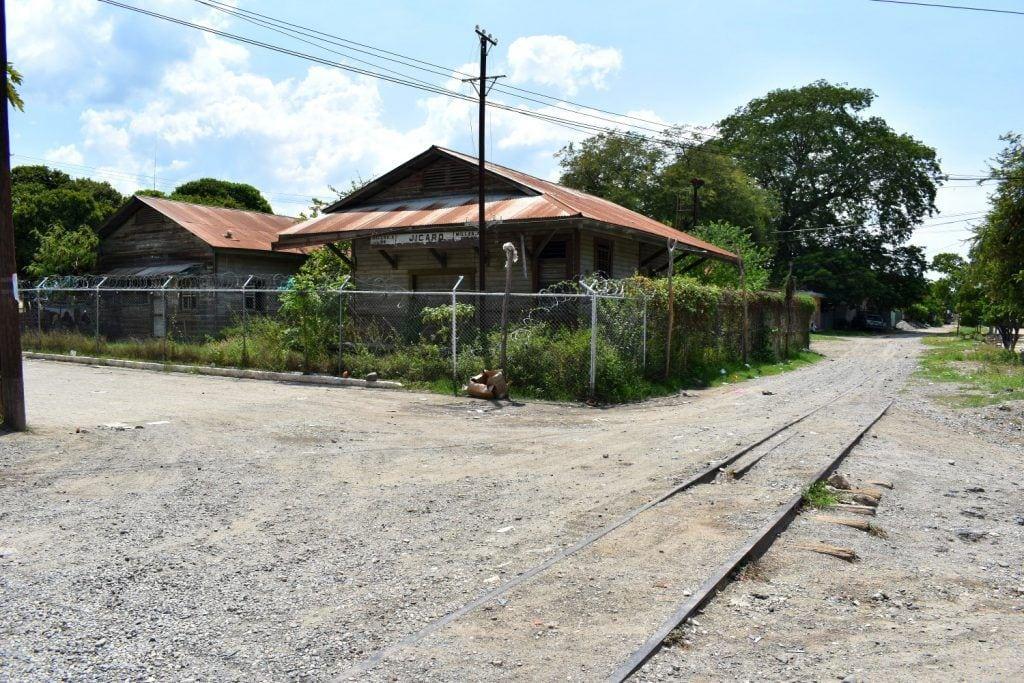 Antigua estación de El Jícaro en el Valle del Motagua