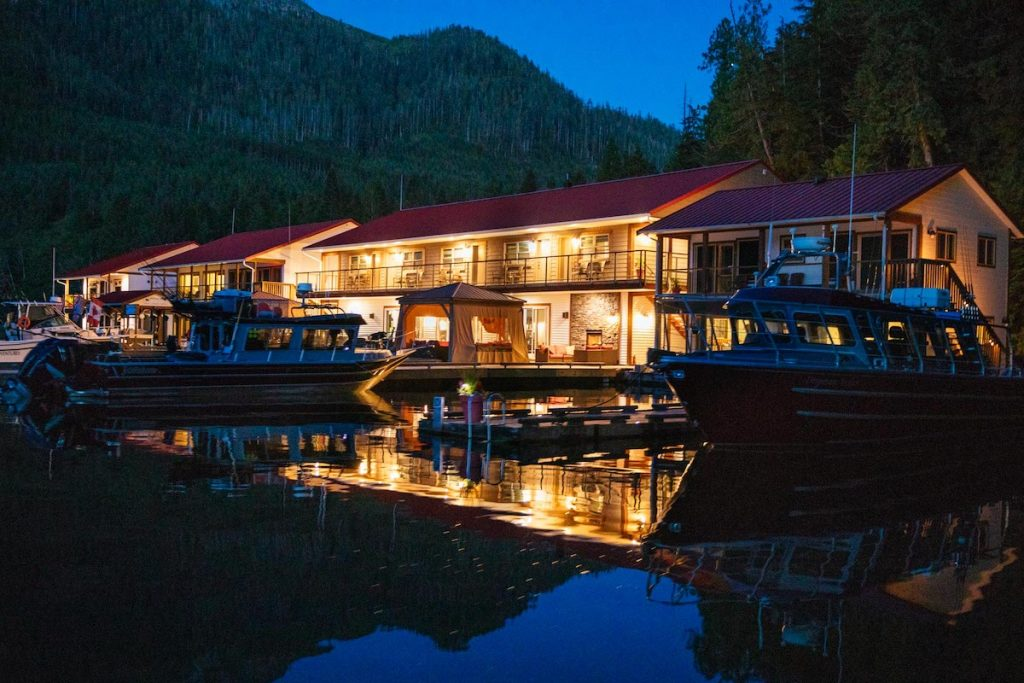 Your ultimate guide to Nootka Sound Resort and what to consider to have the time of your life and this resort.