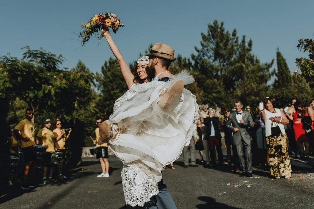 Novios celebrando boda en Salones Cabú