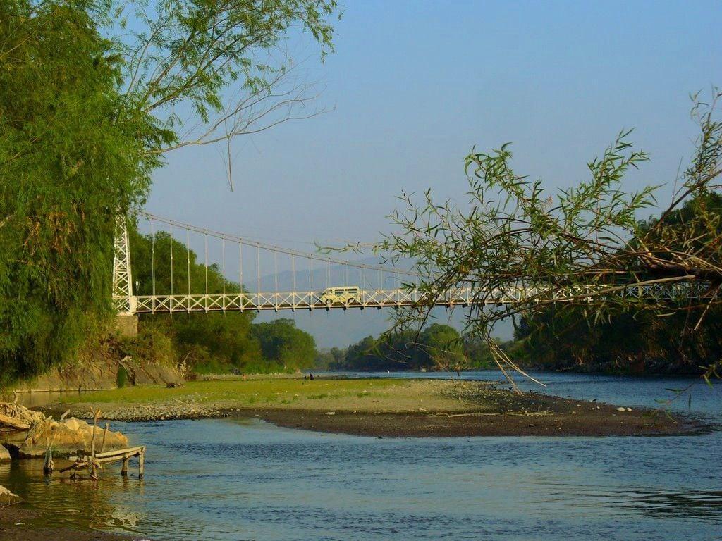 Vista del antiguo Puente Orellana