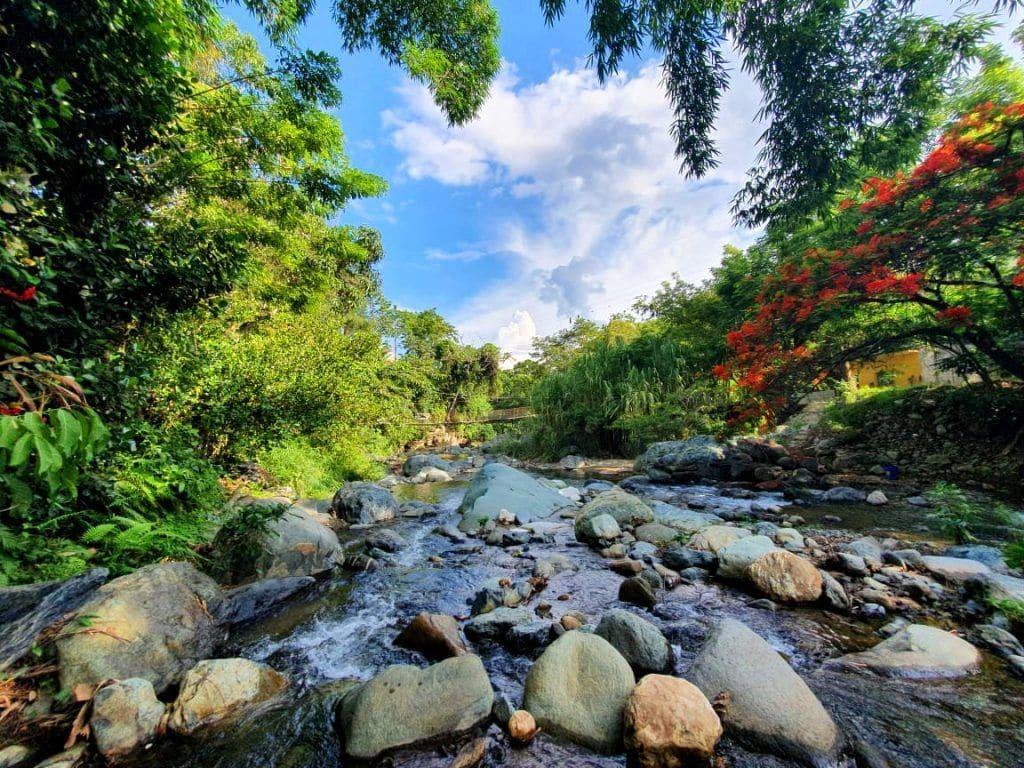Frescor y belleza en el río Hato