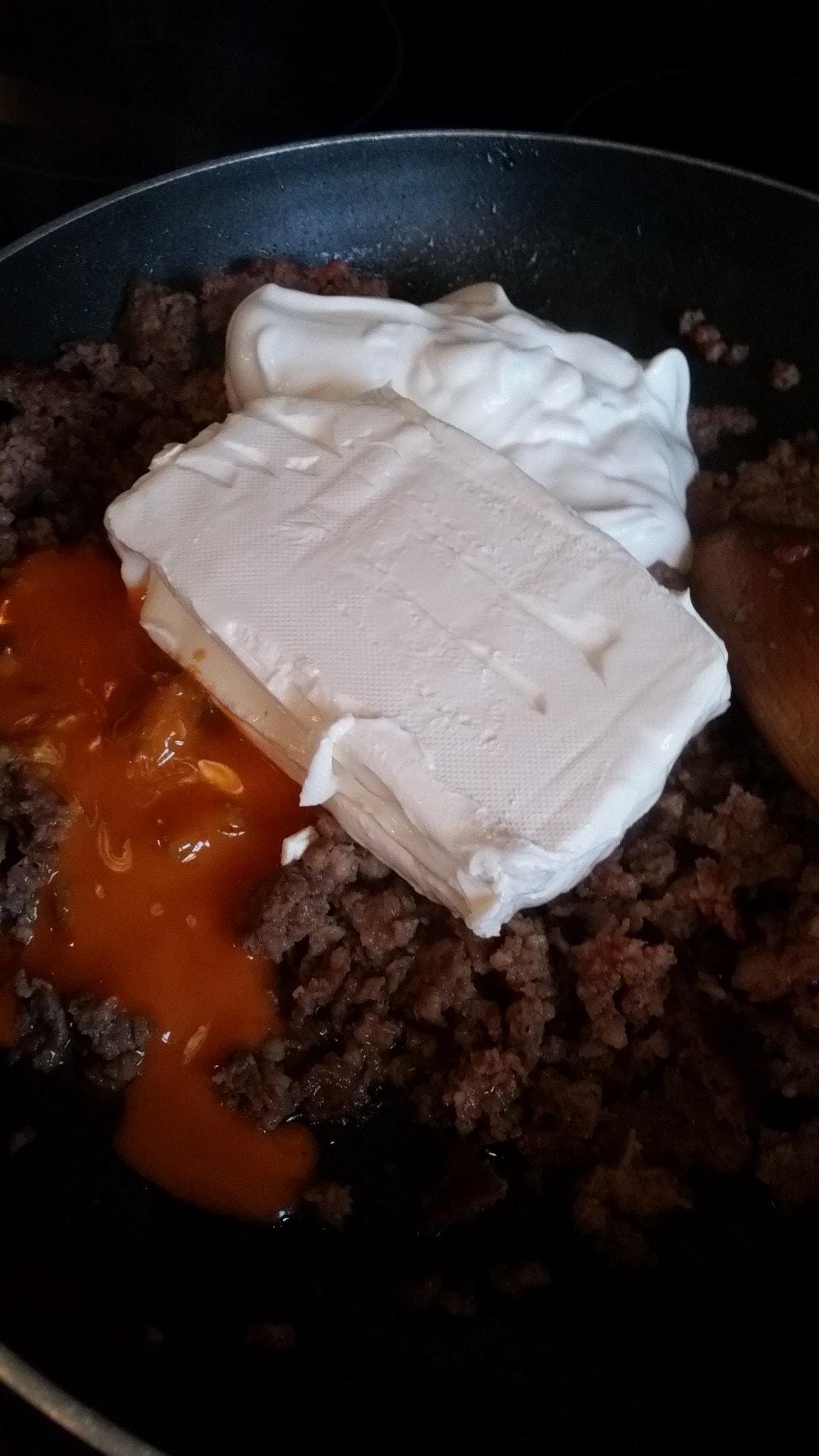 Buffalo Sausage Cheese Dip