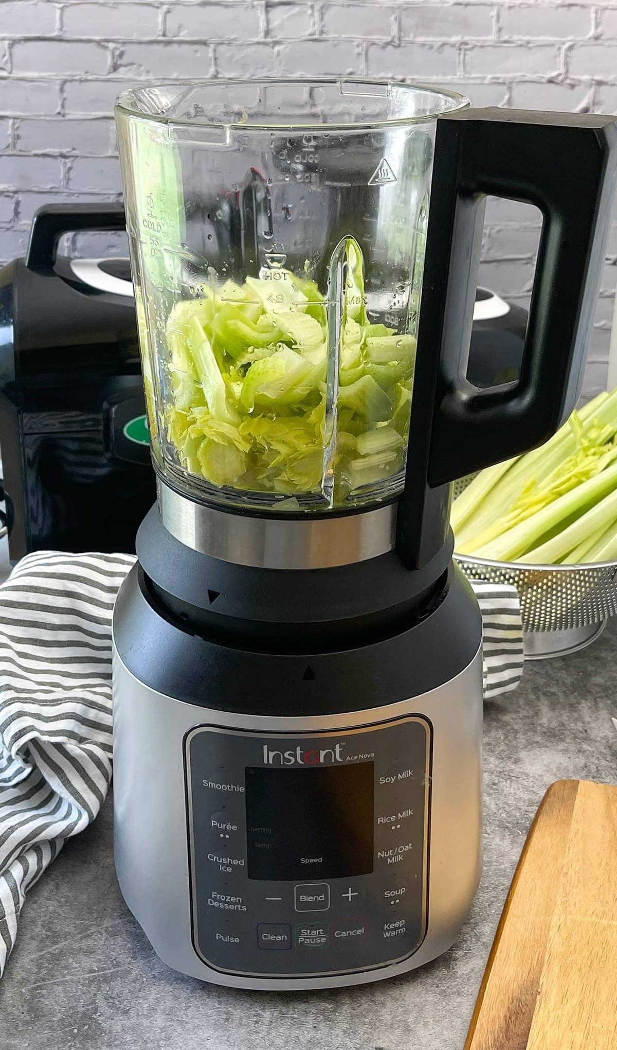 celery juice in the blender