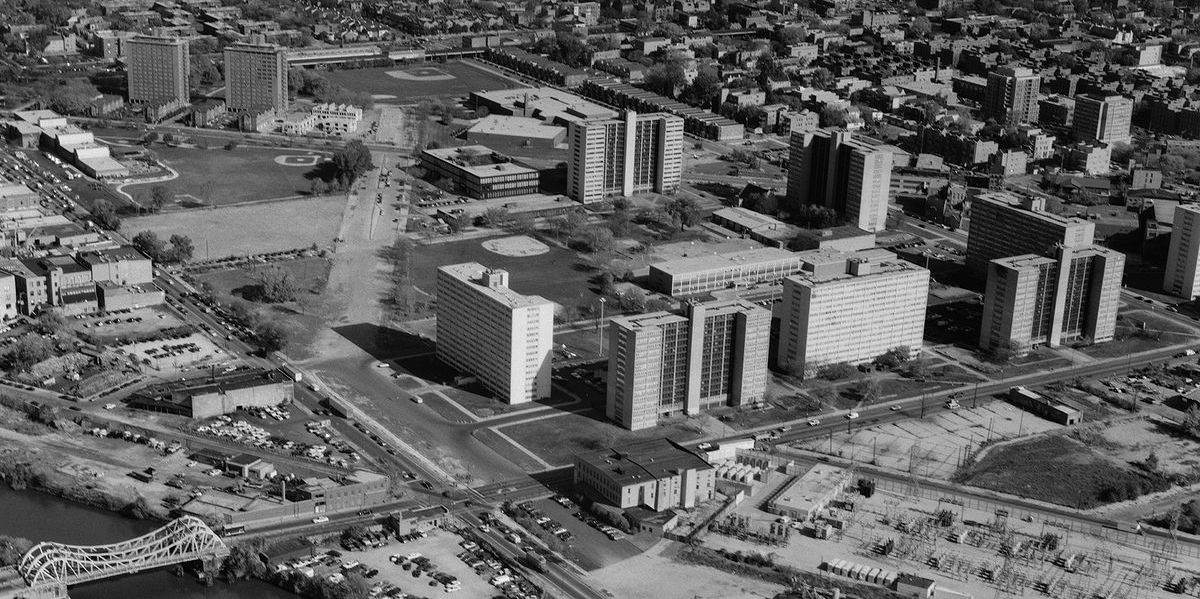 calbrini-green-project-chicago-wikimedia-byjet-lowe-pd