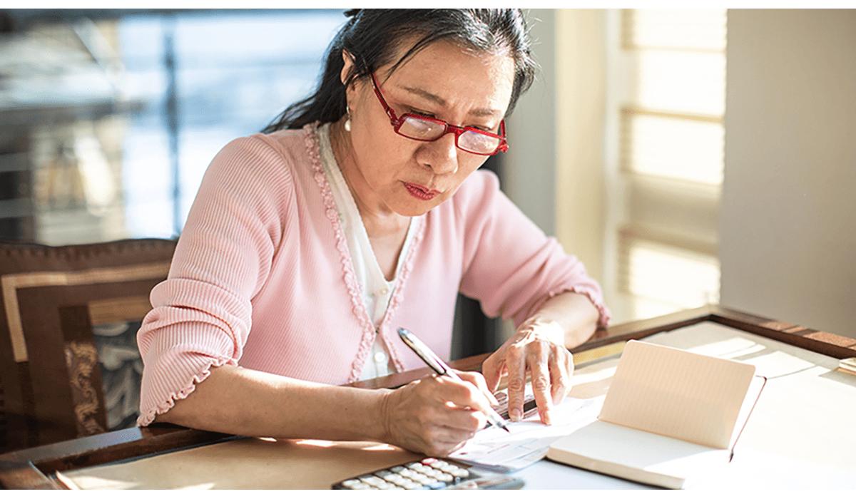 Woman Doing Bills Lowres Gatewayextension