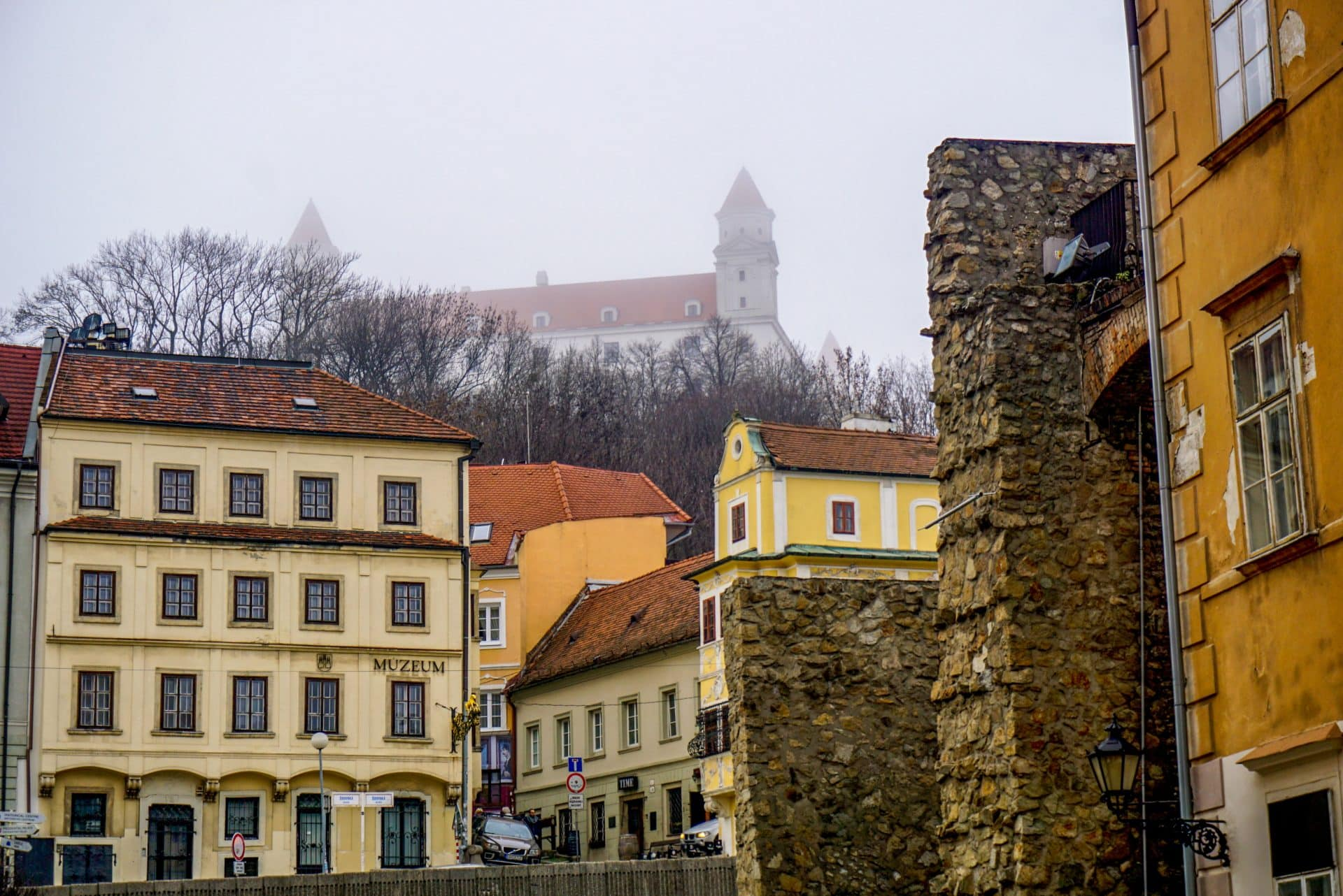 Castle Bratislava Slovakia – Experiencing the Globe