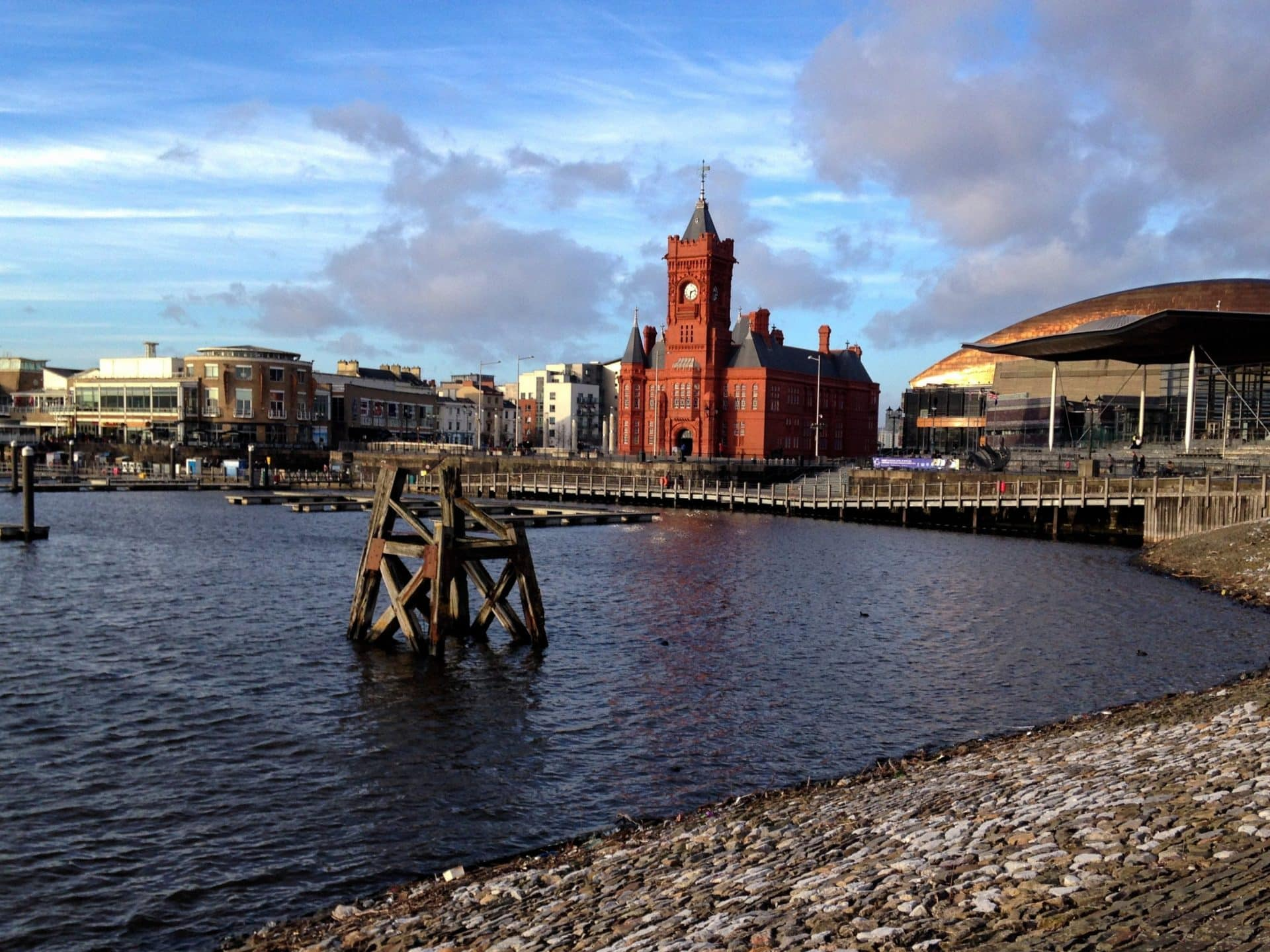 Cardiff, Wales - Experiencing the Globe