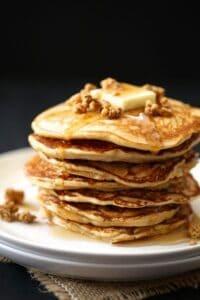 apple gingersnaps pancakes