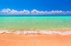 Playa paradisíaca del Caribe en Playa del Carmen, México