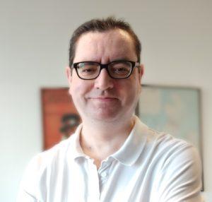 Miguel Guinalíu, profesor titular de marketing en la universidad de zaragoza