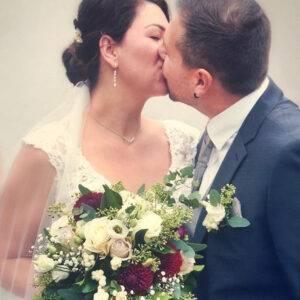 Zufriedene Braut nach Brautstyling
