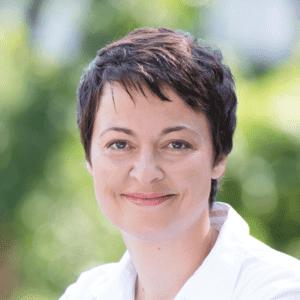 Dozentin Silke Bernhardt in der Akademie für Logopaedie und Ergotherapie memole