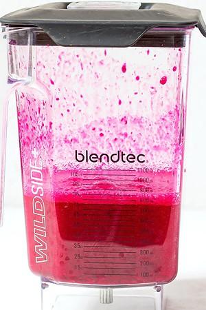 Prickly pear juice in blender