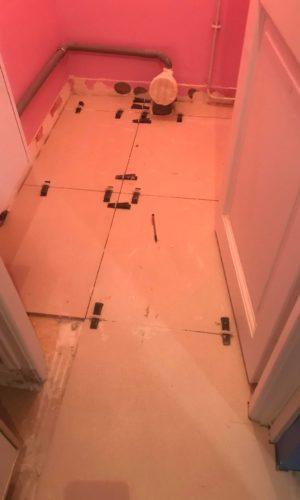 rénovation du carrelage dans la salle de bain