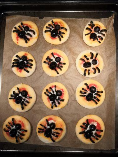 Pizzette ragno di Halloween bimby passaggi