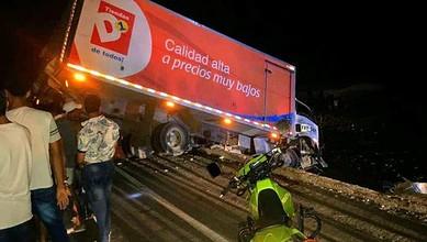 Photo of Nuevo accidente en Tasajera, camión de D1 se volcó en la vía