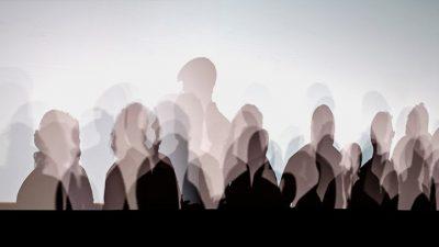Пятьдесят четыре процента людей, умерших от самоубийства, не имели истории психических заболеваний