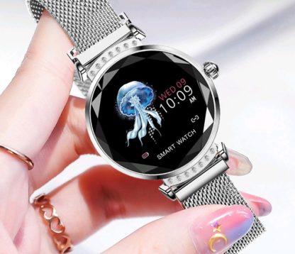 Srebrny smartwatch damski