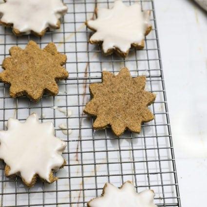 Vegan Zimtsterne:  German Cinnamon Stars