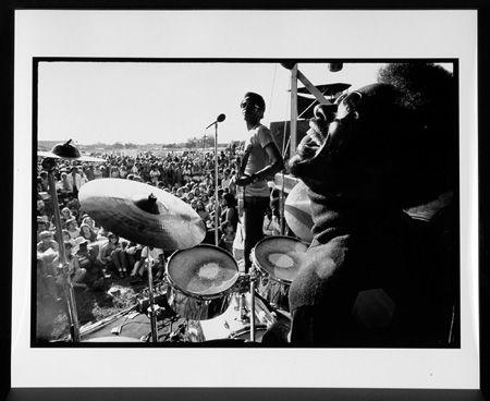 Stevie Wonder Jamming with the Meters