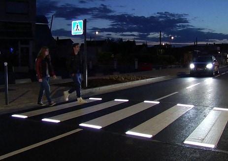 Paso de peatones inteligente en Francia