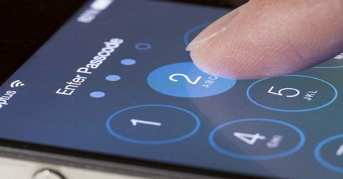 Police-Can-Force-You-to-Show-Them-Everything-You-Have-on-Your-Phone
