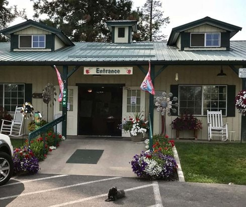 image of front of harvest house green bluff