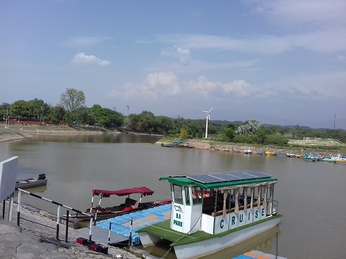 Places to visit in India- Sukhna Lake