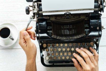 writing blog on type writer