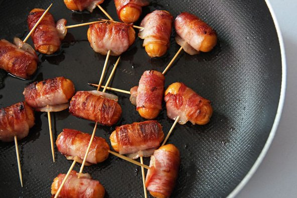 Cooking the Weenies with Bacon