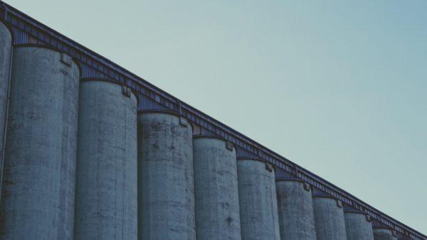 teoria di Gestalt photo of gray concrete wall