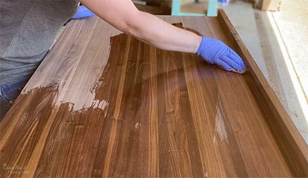 oiling/waxing cutting board