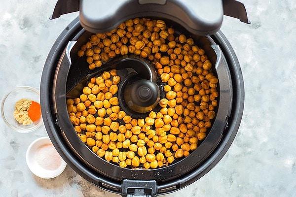 Crunchy Air Fryer Chickpeas