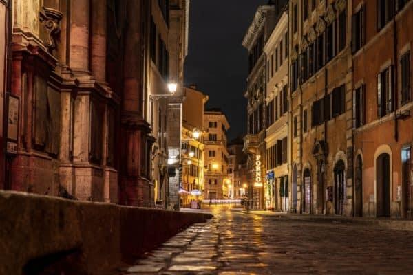 fotografia di strada notturna