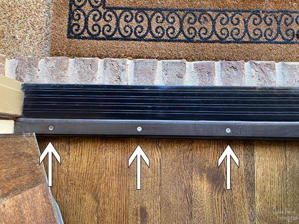 screw locations in adjustable threshold