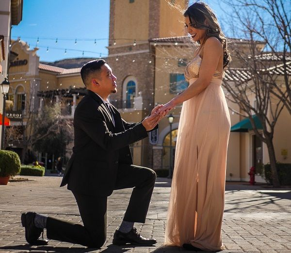 Heiratsantrag auf Knien