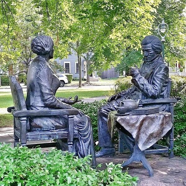 Susan B Anthony and Frederick Douglass statue