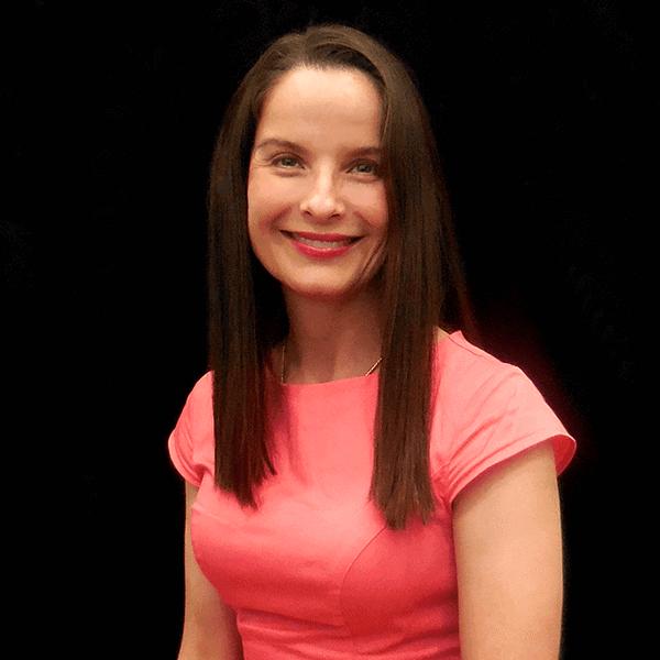 Dr. Della Bennett, MD. Board Certified Plastic Surgeon