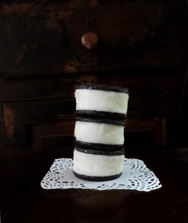 Easy Oreo Ice Cream Sandwiches