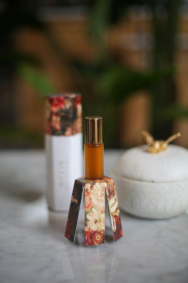Sensuali vegan friendly natural perfume with packaging