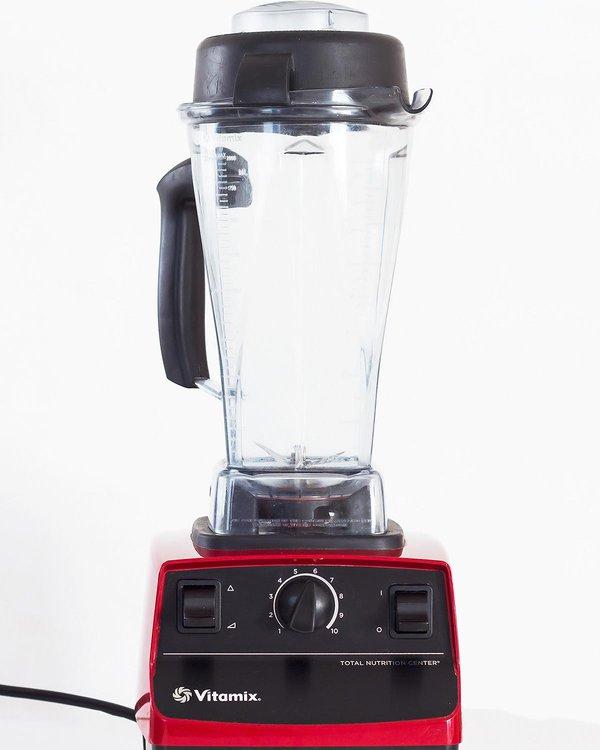Red Vitamix Blender 5200 with 64 oz jar