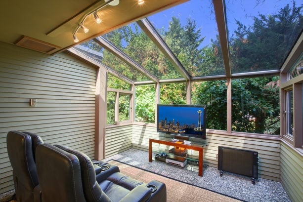 window tint is added to the ceiling window to reduce the sun glare