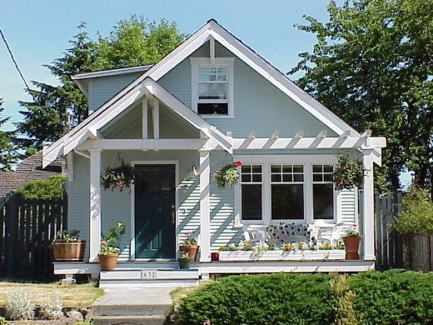 small front porch ideas with a soft color in a ranch style home